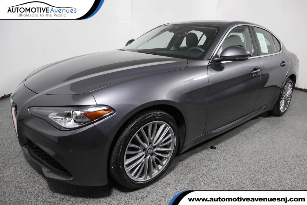 Pre-Owned 2017 Alfa Romeo Giulia Ti AWD w/ Performance Package & Navigation