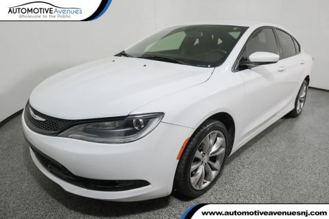 2015 Chrysler 200 4dr Sedan S FWD Front Wheel Drive Sedan