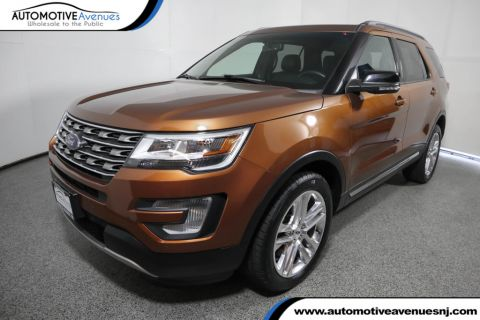 Pre-Owned 2017 Ford Explorer XLT 4WD with Equipment Group 202A and Twin Panel Moonroof