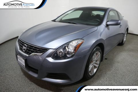 Pre-Owned 2012 Nissan Altima 2dr Coupe 2.5 S w/ Convenience Package