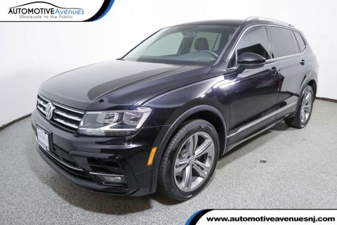 Pre-Owned 2018 Volkswagen Tiguan 2.0T SEL FWD R Line with 3rd Row Seating
