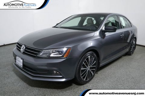 Pre-Owned 2016 Volkswagen Jetta Sedan 1.8T Sport 4dr Manual w/ Lighting Package
