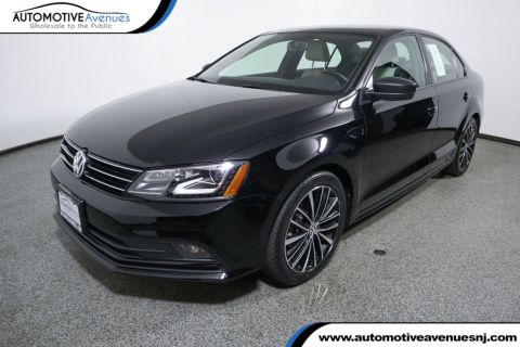 Pre-Owned 2016 Volkswagen Jetta Sedan 1.8T Sport PZEV 4dr Automatic with Lighting Package