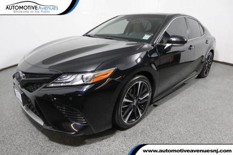 Pre-Owned 2018 Toyota Camry XLE Automatic with Panoramic Sunroof