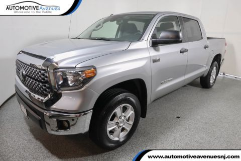 Pre-Owned 2018 Toyota Tundra 4WD SR5 CrewMax 5.5' Bed 5.7L w/SR5 Upgrade & Convenience Pkg