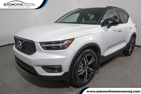 Pre-Owned 2019 Volvo XC40 T5 AWD R-Design