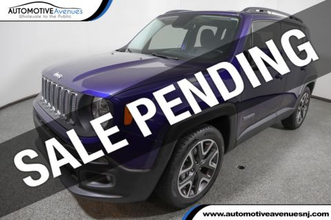 Pre-Owned 2017 Jeep Renegade Latitude FWD with 18 Inch Wheels