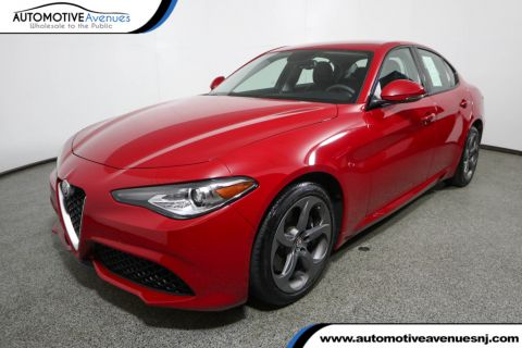 Pre-Owned 2017 Alfa Romeo Giulia AWD w/ Sport Appearance & Cold Weather Packages